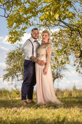 svatební šaty jičín ženich nevěsta