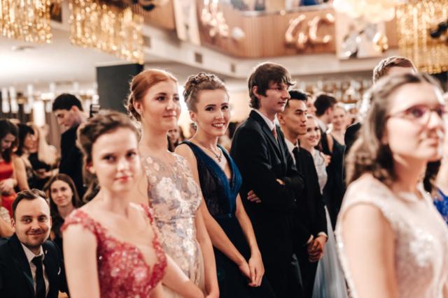 nástup maturitní ples