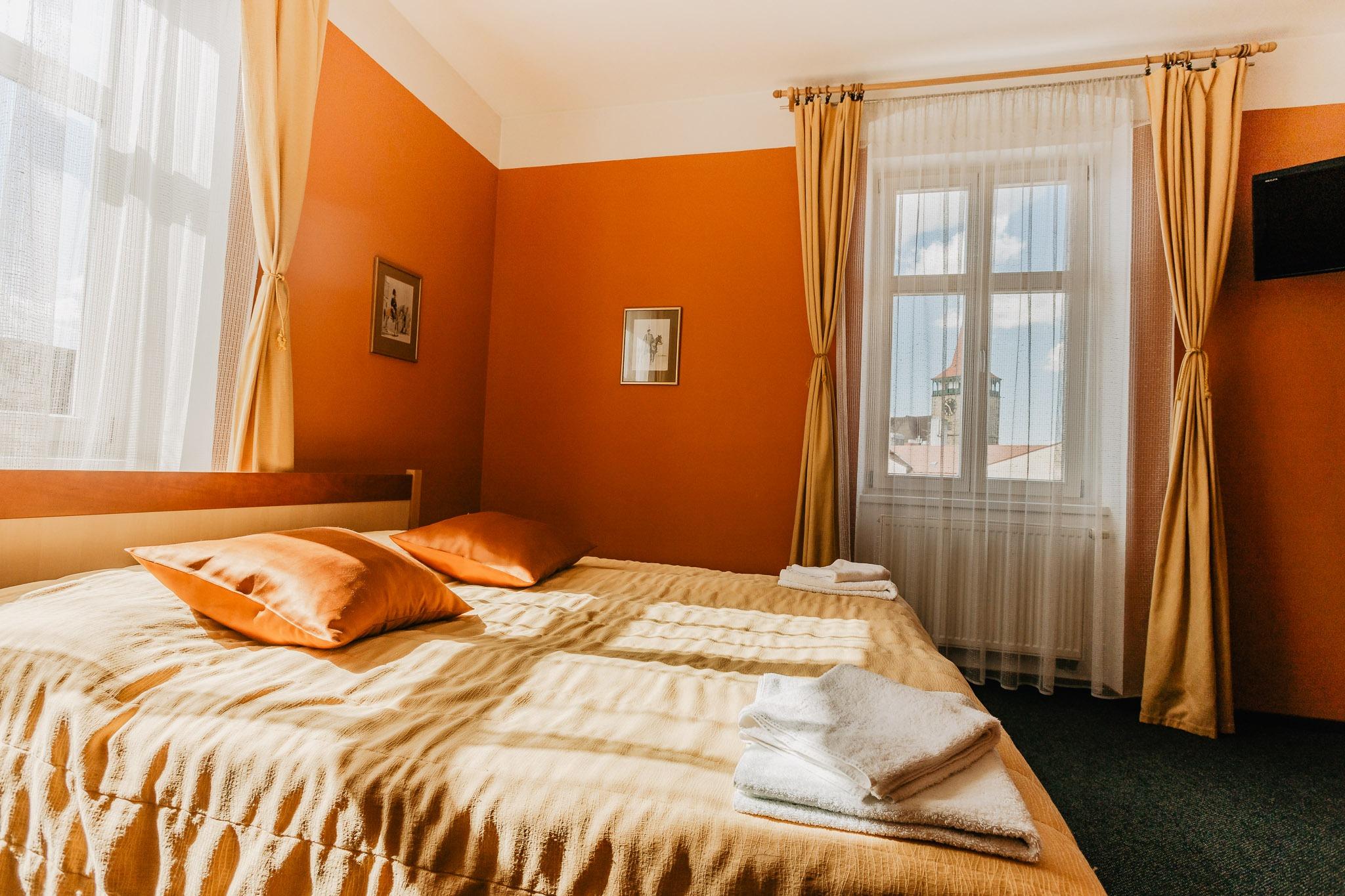 hotel u valdické brány jičín fotograf